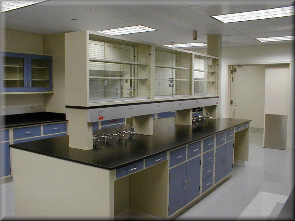 تجهیز آزمایشگاه